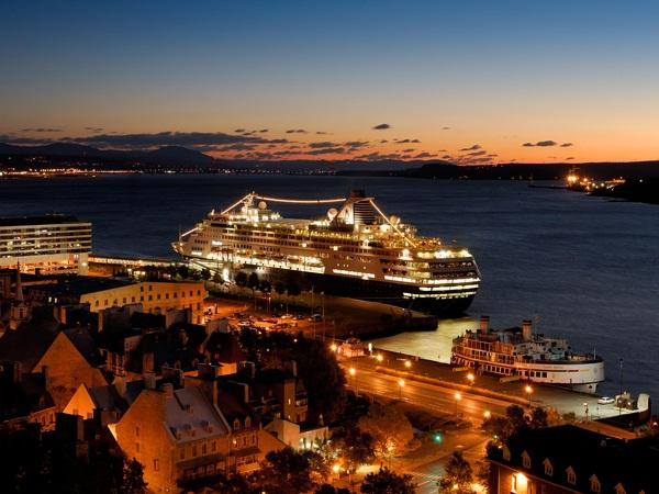 Le port de qu bec horaire des d parts de bateaux croisi res sur le st laurent - Piscine petit port horaires ...